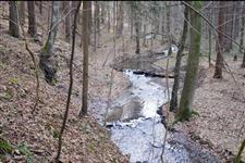 Klikatící se potok