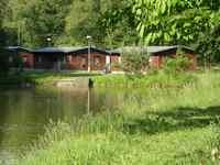 Zadní chaty - pohled od rybníka za osadou