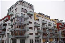 dřevěná eurookna - polyfunkční dům Praha - Podolí
