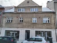 Montáž oken v Bělohorské ulici v Praze