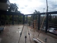 Prosklení terasy - pohled na montáž