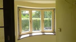 Pohled na okna zevnitř