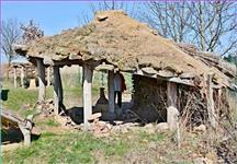 Další ze staveb ve venkovní expozici