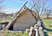 Nejstarší ze zde postavených příbytků
