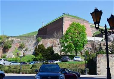 Pevnost od parkoviště