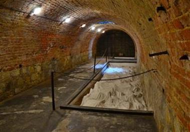 V podzemní pevnosti