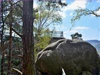 Vyhlídka na skalním bloku