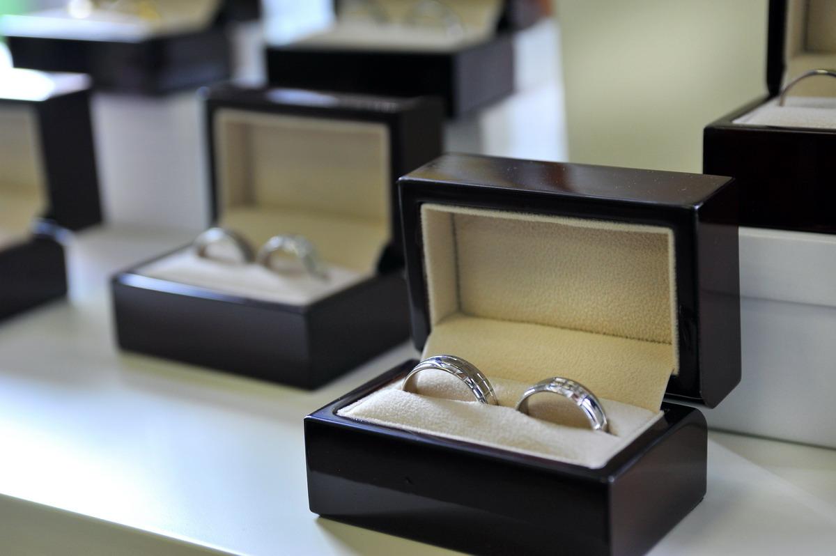 Zlatnictvi Luxur Ceske Budejovice Snubni Prsteny Zasnubni Prsteny